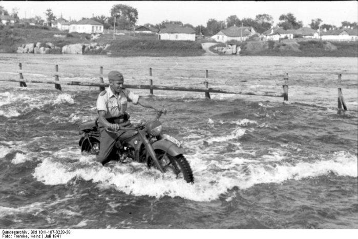 фотография мотоцикла Вермахта великой отечественной войны