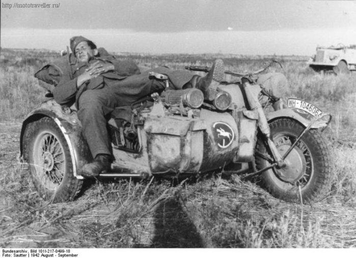 Военный мотоцикл Вермахта с коляской