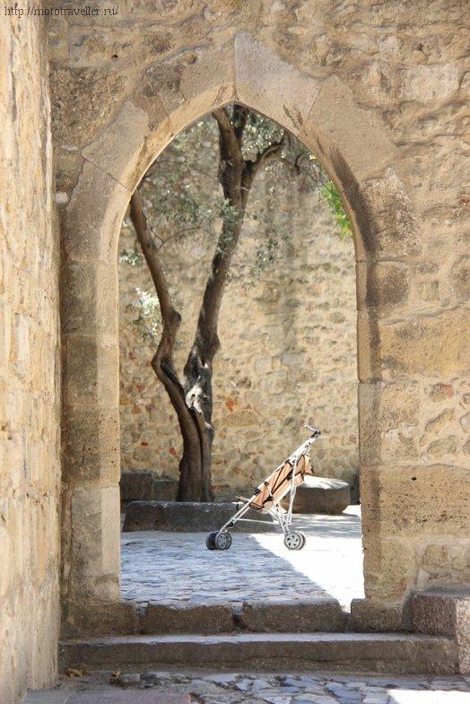 Крепость Сан-Жоржи (Святого Георгия) - одна из достопримечательностей Лиссабона.