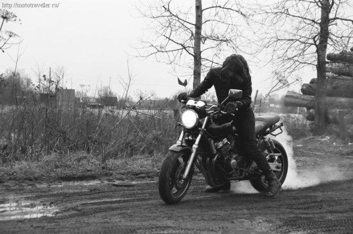 Жжем резину на мотоцикле Honda cb 400
