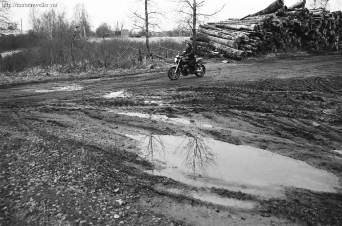 Езда по бездорожью на мотоцикле Honda cb 400