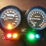 Установка светодиодов в приборную панель мотоцикла Honda cb 400 для более яркой подсветки.