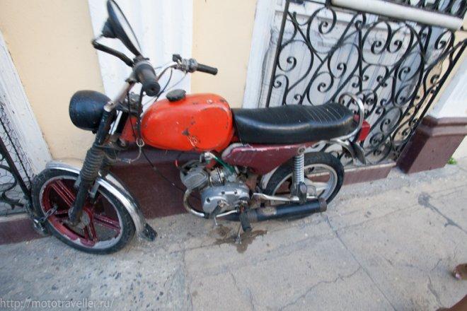 Мопед карпаты на Кубе