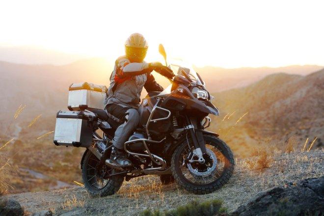 Типичный тяжелый мотоцикл эндуро