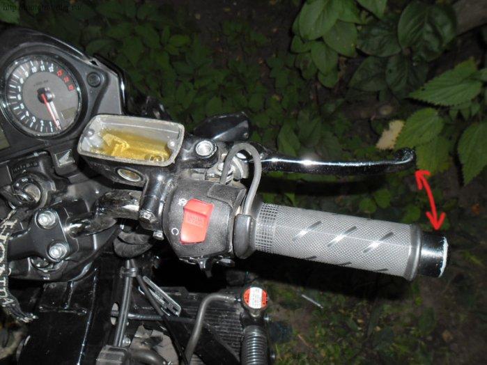 Прокачка тормозов мотоцикла Honda cb400 на примере Honda cb600 Hornet
